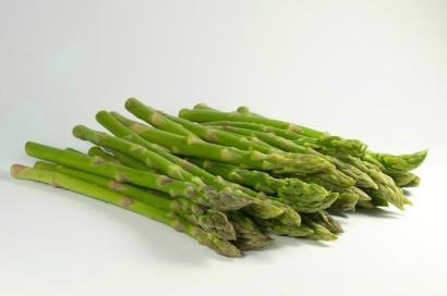 Fresh Asparagus Spears - haphazardhomemaker.com