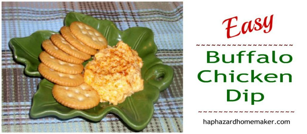 Buffalo Chicken Dip with Crackers