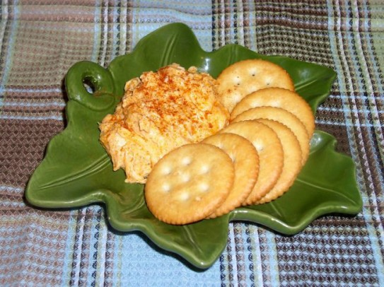 Buffalo Chicken Dip with Ritz Crackers