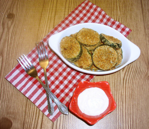 """Oven-Baked """"Fried"""" Zucchini Slices with Ranch Dressing"""