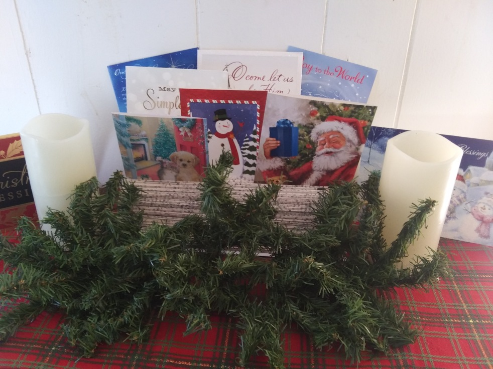 DIY Christmas Card Display - haphazardhomemaker.com