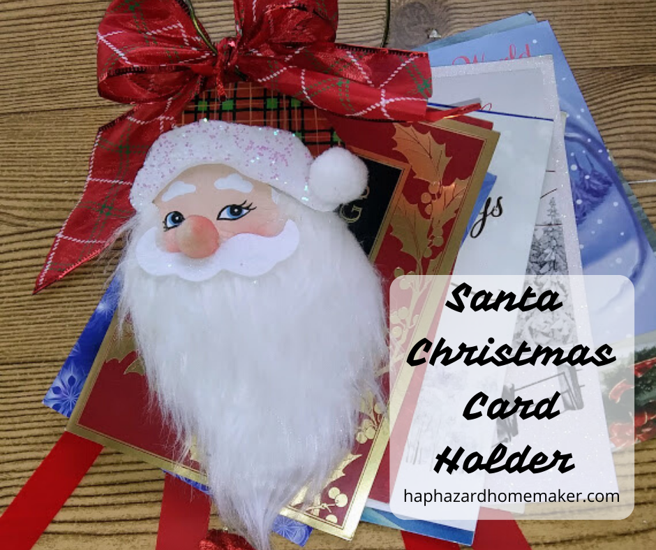 Santa Christmas Card Holder -haphazardhomemaker.com